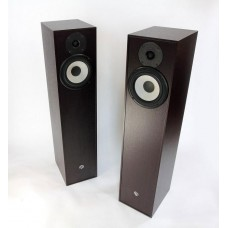 Pylon Audio Pearl 20  grindinės garso kolonėlės , galingumas  80 W , kaina už 2 vnt